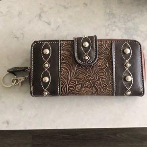 Handbags - Vegan brown leather wallet.NWOT